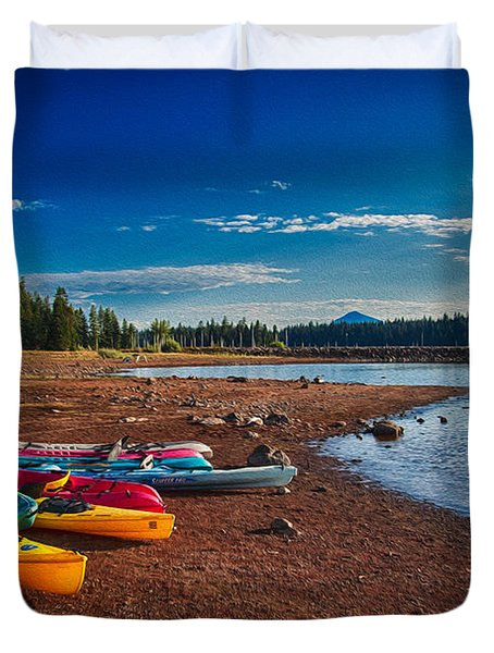 Kayaking On Howard Prairie Lake In Oregon Duvet Cover