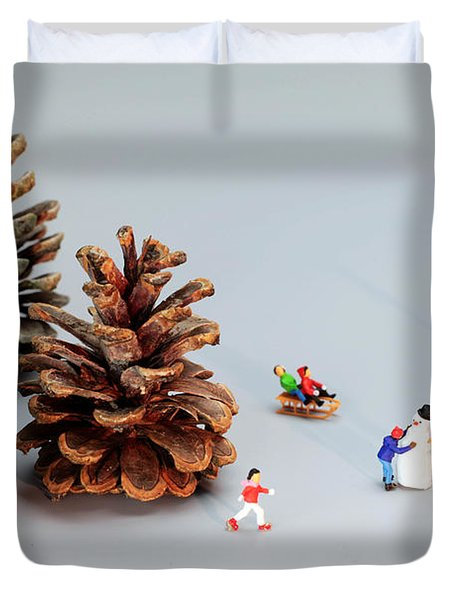 Kids Merry Christmas By Pinecones Duvet Cover by Paul Ge