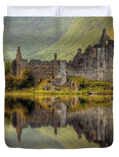 Kilchurn Castle Reflection In Loch Awe Duvet Cover