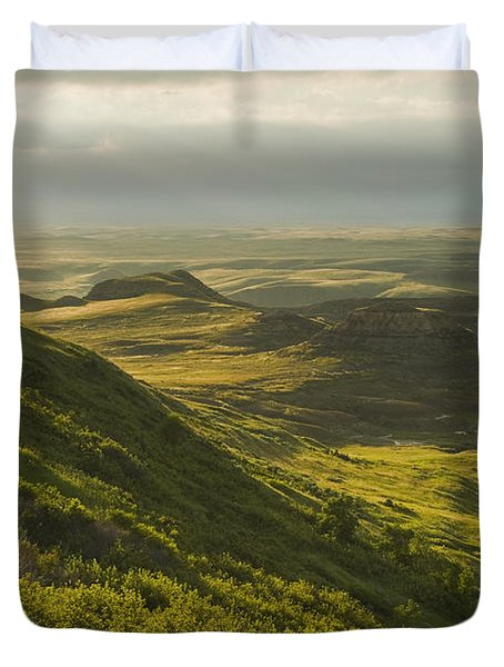 Killdeer Badlands In The East Block Of Duvet Cover