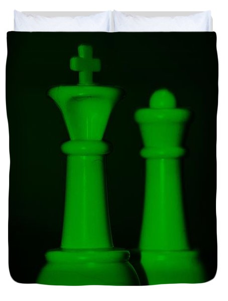 King And Queen In Green Duvet Cover by Rob Hans