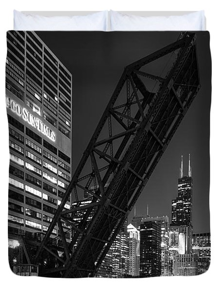 Kinzie Street Railroad Bridge At Night In Black And White Duvet Cover by Sebastian Musial