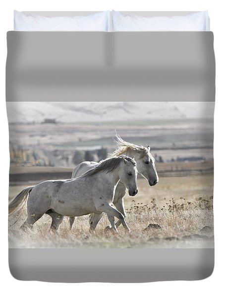 Duvet Cover featuring the photograph Knee Deep D3505 by Wes and Dotty Weber