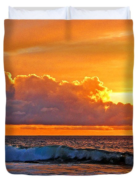 Duvet Cover featuring the photograph Kona Golden Sunset by David Lawson