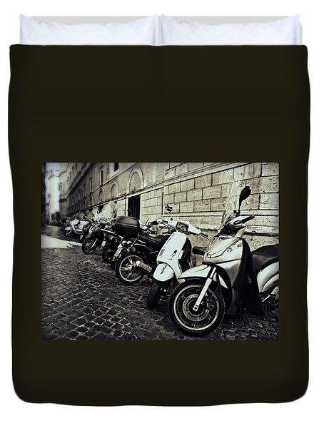 La Terra Di Moto Duvet Cover
