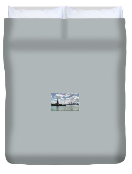 Lady Liberty And New York Twin Towers Duvet Cover