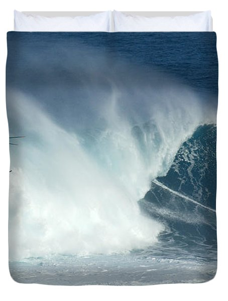 Laird Hamilton Going Left At Jaws Duvet Cover