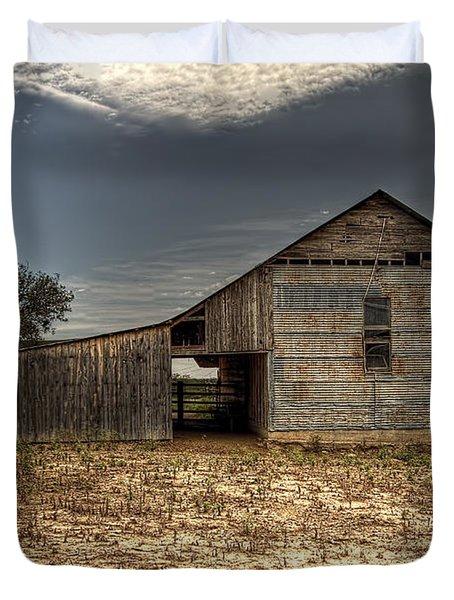 Lake Worth Barn Duvet Cover