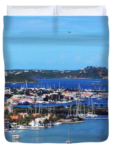 Landing In St. Maarten Duvet Cover