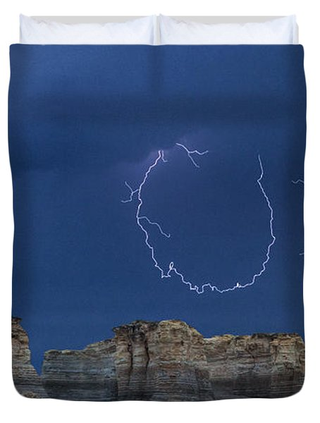 Lariat Lightning At Monument Rocks Duvet Cover