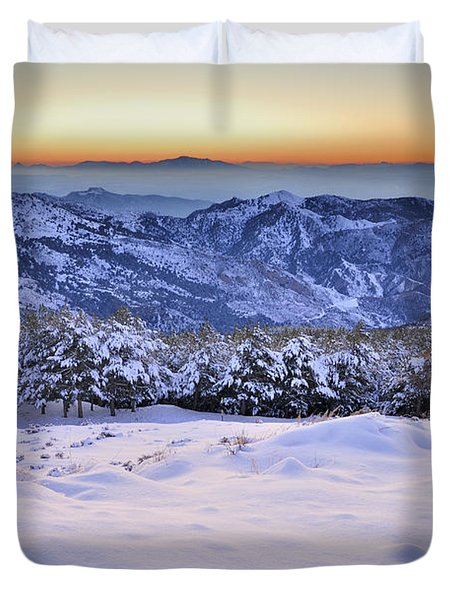 Last Light Of The Day Duvet Cover by Guido Montanes Castillo