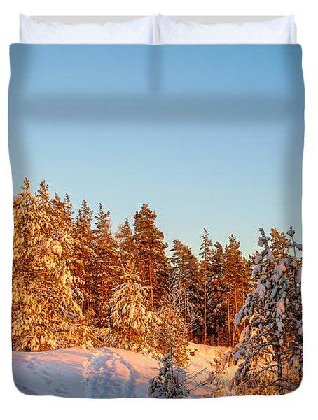 Last Rays Of Light In The Winter Forest Duvet Cover