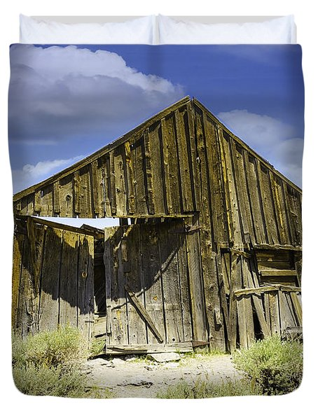 Leaning Barn Of Bodie California Duvet Cover by LeeAnn McLaneGoetz McLaneGoetzStudioLLCcom
