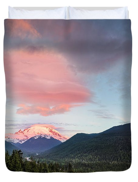 Lenticular Cloud Over Mt. Rainier - Washington State Duvet Cover