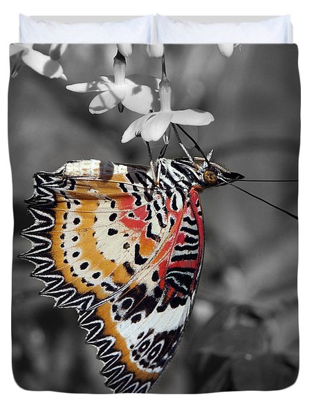 Duvet Cover featuring the photograph Leopard Lacewing Butterfly Dthu619bw by Gerry Gantt