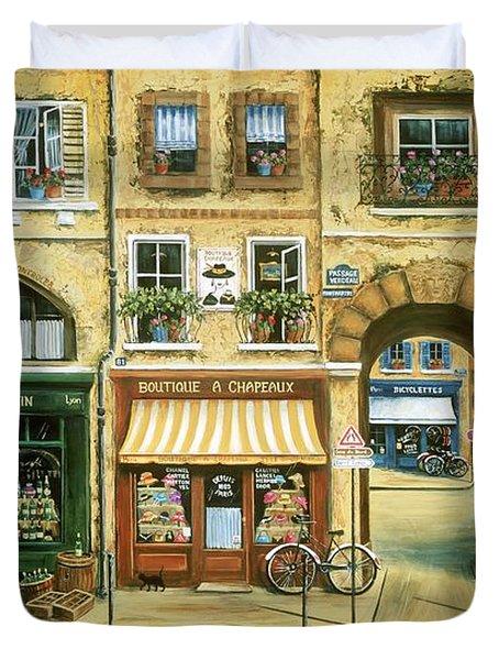 Les Rues De Paris Duvet Cover