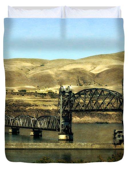 Lift Bridge Over The Columbia River Duvet Cover
