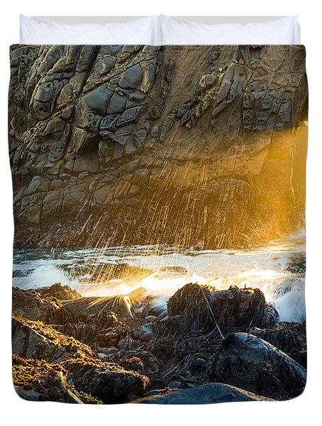 Light The Way - Arch Rock In Pfeiffer Beach In Big Sur. Duvet Cover by Jamie Pham