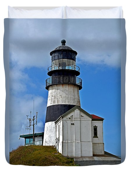 Duvet Cover featuring the photograph Lighthouse At Cape Disappointment Washington by Valerie Garner