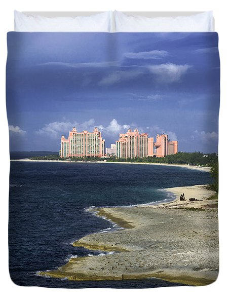 Lighthouse On Colonial Beach With Atlantis Paradise Resort Bahamas Duvet Cover