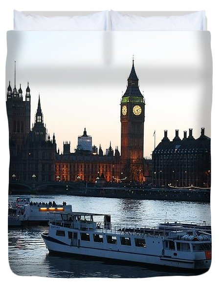 Lighting Up Time On The Thames Duvet Cover