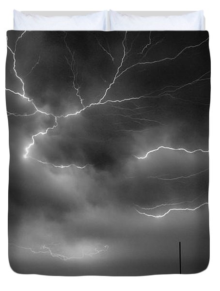 Duvet Cover featuring the photograph Lightning 2 by Richard Zentner