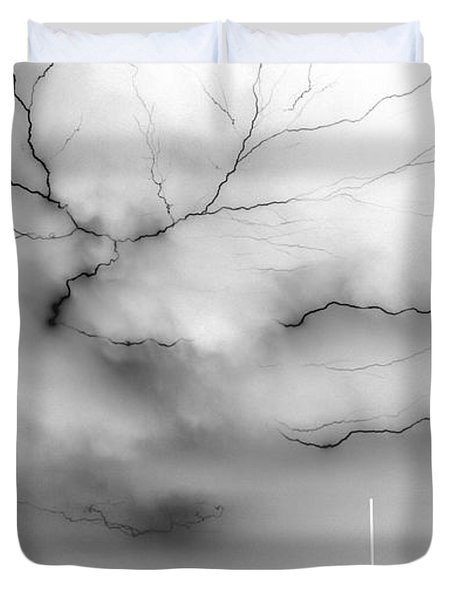 Duvet Cover featuring the photograph Lightning 4 by Richard Zentner