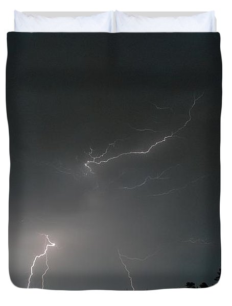 Duvet Cover featuring the photograph Lightning 6 by Richard Zentner