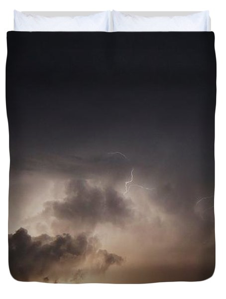 Duvet Cover featuring the photograph Lightning 8 by Richard Zentner
