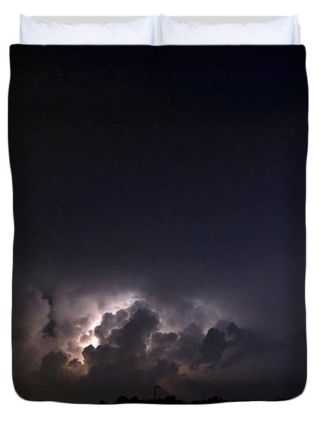 Duvet Cover featuring the photograph Lightning 9 by Richard Zentner