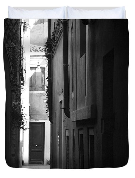Duvet Cover featuring the photograph Light's Passage - Venice by Lisa Parrish