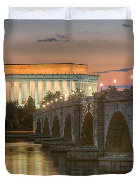 Lincoln Memorial And Arlington Memorial Bridge At Dawn I Duvet Cover