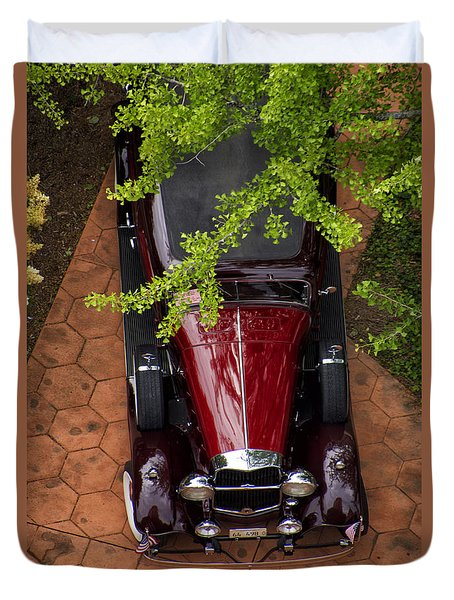 Lincoln Town Car Duvet Cover by Thomas Woolworth