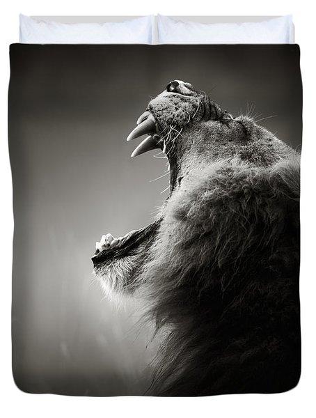 Lion Displaying Dangerous Teeth Duvet Cover