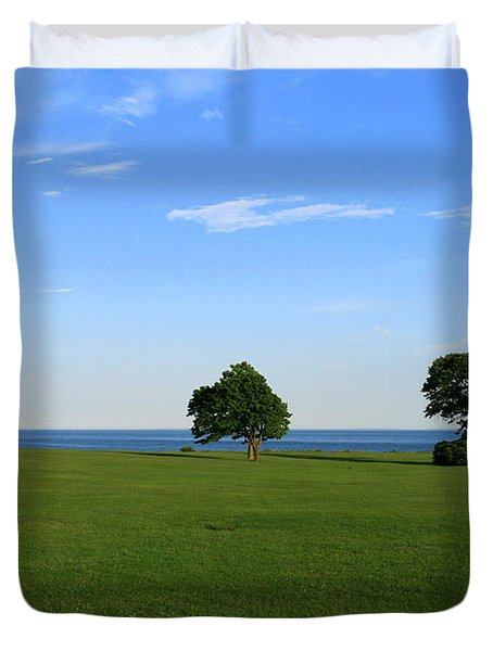 Duvet Cover featuring the photograph Listening To The Breeze  by Neal Eslinger