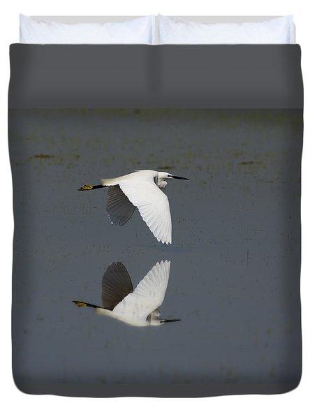 Little Egret In Flight Duvet Cover