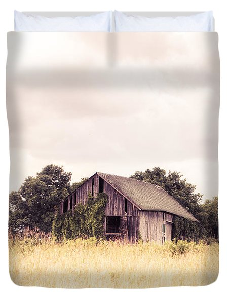 Duvet Cover featuring the photograph Little Old Barn In A Field - Landscape  by Gary Heller