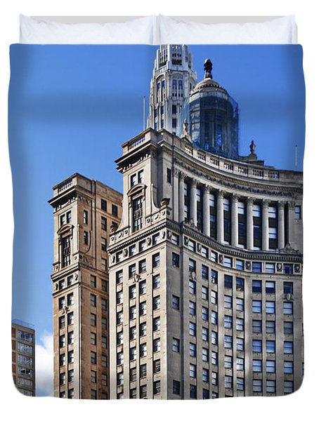 London Guarantee And Accident Building Chicago Duvet Cover by Christine Till