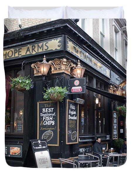 London Pub Duvet Cover by Thomas Marchessault