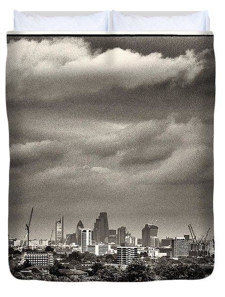 London Skyline From Hampstead Heath Duvet Cover