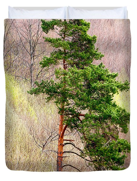 Duvet Cover featuring the photograph Lone Pine by Les Palenik