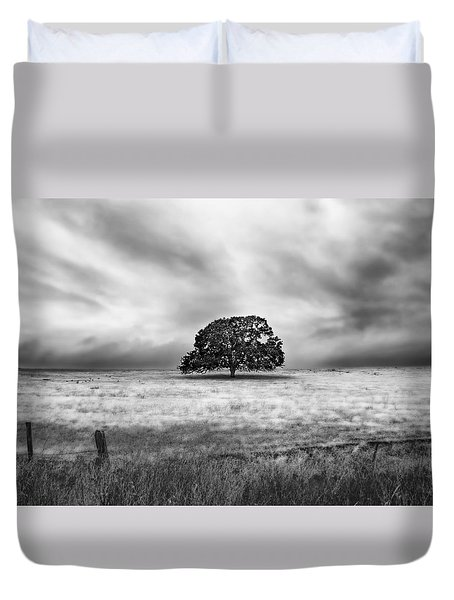 Lone Valley Oak Horizontal Duvet Cover