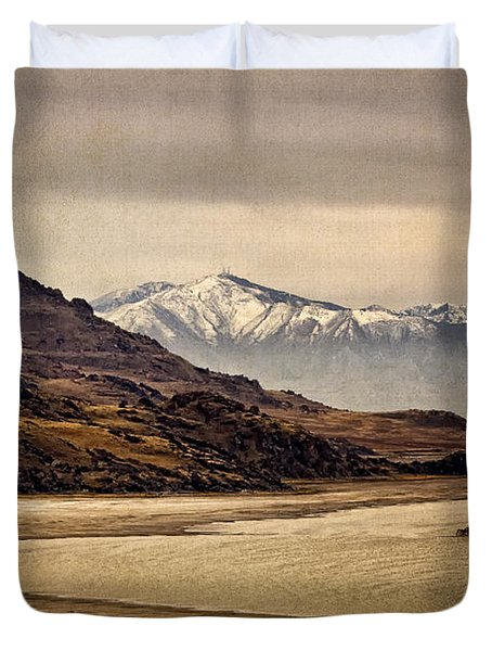 Duvet Cover featuring the photograph Lonesome Land by Priscilla Burgers