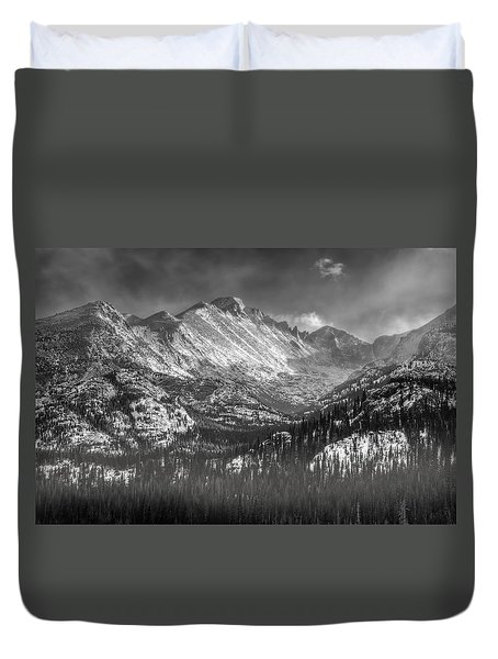Longs Peak Rocky Mountain National Park Black And White Duvet Cover by Ken Smith