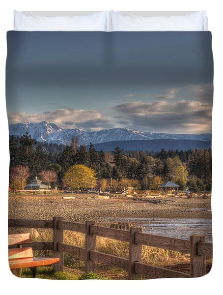 Looking Back Duvet Cover by Randy Hall