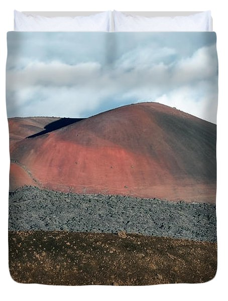 Duvet Cover featuring the photograph Looking Down by Jim Thompson