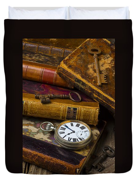 Love Old Books Duvet Cover by Garry Gay
