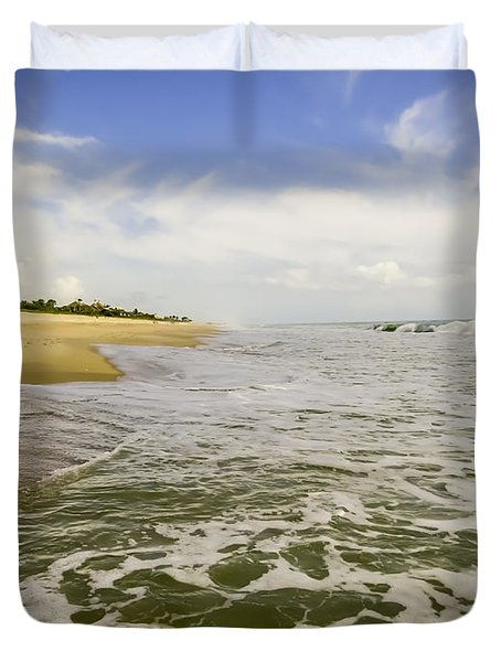 Low Tide At The Beach Duvet Cover