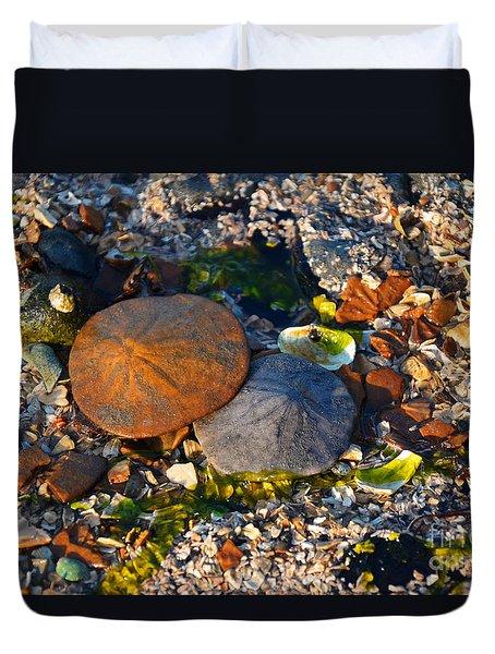 Low Tide Lovers Duvet Cover