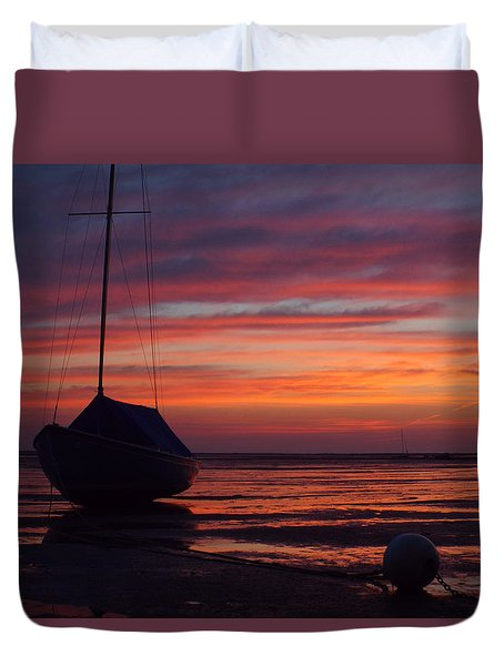 Duvet Cover featuring the photograph Sunrise At Low Tide by Dianne Cowen